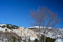 Castel del Monte (giorgiorodano46) Tags: gennaio2019 january 2019 giorgiorodano abruzzo italy parconazionaledelgransasso inverno winter casteldelmonte