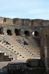 Teatro Romano (j-paul-l) Tags: teatro romano roman amphitheatre emperor hadrian benevento campania