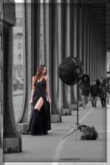 Paris - Pont de Bir-Hakeim (roger gabriel simon) Tags: flickr bnw bw noiretblanc blackandwhite pontdebirhakeim paris city ville canon canonpowershotg5x theinceptionbridge steel metal bridge streetphotography theladyinblack france photographie ladameennoir beautifulwoman femme woman shooting