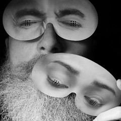 Selbstporträt mit Halbmaske (Thomas Lautenschlag) Tags: thomaslautenschlag berlin германия берлин fotografie photography photographie deutschland germany allemagne beard bearded beards envybeards beardlife beardown beardie beardedmen beardlove beardo moustache facialhair beardyland beardnation mensfashion style barberlife barbe selbstportrait self portrait male me bart porträt autoportret autoportrait autorretrato autoritratto selfie selbstporträt fullbeard bigbeard vollbart selbstauslöser selftimer autotimer automaticrelease déclencheurautomatique oldman senior doppelporträt bikerbeard noiretblanc blackandwhite schwarzweis blanconegro barbouze maske mask masque