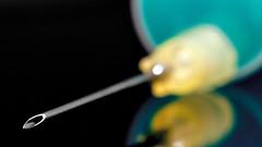 Ich will keine Spritze ... (6 Sichtweisen) Tags: spritze nadel makro doktor furcht angst nikon detail