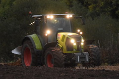 Claas Arion 640 Tractor with a Kverneland 4 Furrow Plough (Shane Casey CK25) Tags: claas arion 640 tractor kverneland 4 furrow plough knockraha green traktor traktori tracteur trekker trator ciągnik ploughing turn sod turnsod turningsod turning sow sowing set setting tillage till tilling plant planting crop crops cereal cereals county cork ireland irish farm farmer farming agri agriculture contractor field ground soil dirt earth dust work working horse power horsepower hp pull pulling machine machinery nikon d7200