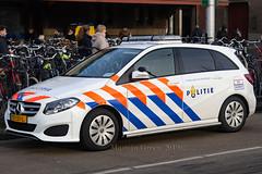 Politie, Amsterdam (Martijn Groen) Tags: amsterdam noordholland nederland netherlands europe january 2019 politie police policecar vehicle lawenforcement emergency hulpverlening mercedesbenz mercedes