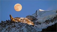 Blood Moon above Doldenhorn (3643 m) (Everest Daniel) Tags: blood moon mountains snow doldenhorn kandersteg switzerland winter blue sky
