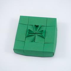 Shamrock 1.1 (Box) ☘️ (Michał Kosmulski) Tags: origami box tessellation shamrock clover goodluckcharm stpatricksday saintpatricksday irish michałkosmulski tantpaper green