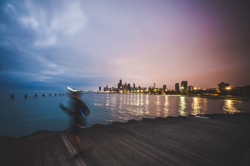 A photo of me running along Chicago's Lakefront during my last training session in preparation for the Richmond Marathon.