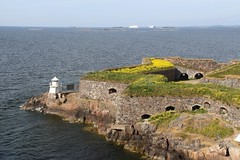 Suomenlinna (richardr) Tags: suomenlinna island sea gulfoffinland fortress sveaborg northerneurope finland helsingfors finnish helsinki suomi suomen nordic building architecture europe european old history heritage historic castleoffinland lighthouse