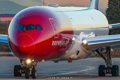 Norwegian Long Haul B787-9 LN-LNV (José M. Deza) Tags: 20181209 b7879 bcn boeing dreamliner elprat lebl lnlnv norwegain planespotting spotter aircraft