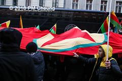 Demonstration: Der Wunsch nach Freiheit lässt sich nicht verbieten! – 01.12.2018 – Berlin - IMG_0115 (PM Cheung) Tags: 25jahrepkkverbot ypg kurden polizei polizeigesetze berlin derwunschnachfreiheitlässtsichnichtverbieten derwunschnachfreiheitlässtsichnichtverbietengemeinsamgegenpolizeigesetze pkkverbotundnationalismus bundesweitedemonstration interventionistischelinke kurdistan rojava türkei 01122018 demonstration demo pag polizeiaufgabengesetz kurdendemonstration pmcheung protest repression überwachung bundesinnenministerhorstseehofer kundgebung 2018 protestfotografie pomengcheung mengcheungpo auftaktkundgebung wwwpmcheungcom aufhebungpkkverbot afd facebookcompmcheungphotography polizeistaat arbeiterparteikurdistans protestveranstaltung rotehilfeev partiyakarkerênkurdistanê ernk bundesinnenministerrudolfseiters auseinandersetzungen rangeleien diepkkgehörtzudeutschland serihilde