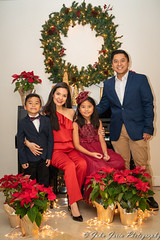 Merry Christmas! (johnj2803) Tags: familyportrait christmas2018 familypictures