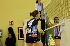 ASD Ambrosiana Volley VS Nuova Ronchese (CarloAlessioCozzolino) Tags: cornatedadda portodadda asdambrosianavolley volley pallavolo ragazze girls sport nuovaronchese 4 four quattro numero number
