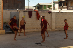 Burma18-2155j (ianh3000) Tags: inle lake burma myanmar monastery nyaungshwe monks