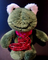 Hab dich lieb (hussi48) Tags: frosch frog spielzeug toy herz corazon heart