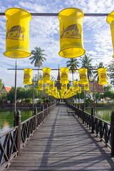 Wat Tra Phang Thong (Ralph Apeldoorn) Tags: sukhothai temple wattraphangthong mueangsukhothai changwatsukhothai thailand th bridge