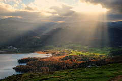 Lightrays Over Derwentwater (Andy Watson1) Tags: lightrays derwentwater keswick borrowdale grange catbells autumn november lake district national park lakedistrict lakedistrictnationalpark cumbria england unitedkingdom greatbritain light outdoor nature landscape view scenery photography canon70d clouds