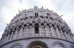 Baptistery, Pisa (demeeschter) Tags: italy toscana pisa architecture leaning tower medieval church basilica city town river cathedral religion roman unesco world heritage attraction building museum