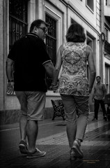 De la mano (Fotgrafo-robby25) Tags: byn gente sonyilce7rm3 streetphotography