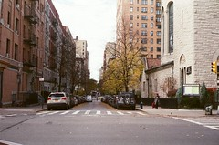 Down the street (NYOS87) Tags: canon canonet ql 19