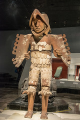 Ceramic statue of Eagle Warrior (DSLEWIS) Tags: aguila guerrero guerreroaguila ceramic statue eaglewarrior eagle warrior aztec templemayor mexicocity ciudaddemexico ancient archaeology museum museo temple mexico
