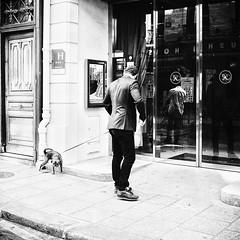 Vincent et son chien Max (laurent.dufour.paris) Tags: 2018 40mm 6x6 afternoon aprèsmidi black blackandwhite blanc bw candid canon capturestreets carré chien city darkisbetter dreaminstreets eos5dmarkiii europe everybodystreet everydayeverywhere extérieur france fromstreetswithlove generationstreet hommes iloveparis iledefrance lensonstreets life lovesnoir monochrome noir noiretblanc noirshots objectifgrandangle paris people photographiederue printemps regardsparisiens rue spring square storyofthestreet storyofthestreets streetfocuson streetphoto streetphotography streetphotographyinternational streetofparis thestreetphotographyclub thestreetphotographyhub ville wearethestreets wearethestreet white worldstreetfeature zonestreet