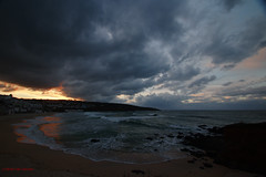 3KA11264a_C_2018-11-20 (Kernowfile) Tags: cornwall cornish stives cloudscape porthmeorbeach sand sun sunset sky clouds water waves breakingwaves reflections rocks cliffs cottages buildings tategallery pentax