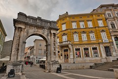 Arch of the Sergii, Pula, Istria, Croatia (Eadbhaird) Tags: archofthesergii pula istria croatia ancient roman salviapostumasergi salviapostumasergidesuapecunia goldengate zlatnavrata hrv