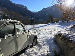 After the snow... (NaPCo74) Tags: mountain montagne neige snow vintage car french classic cv 2 2cv6 deuche 2cv citroen citroën double chevron 602 france voiture ancienne legende