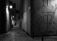 (numéro six) Tags: rue rua calle street city ville cidade ciudad pretoebranco whiteandblack blackandwhite noir et blanc nb wb