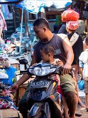 OM170589 Bali Traditional Market (Dave Curtis) Tags: bali market people workers 2014 em5 may omd olympus
