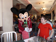 Florida Day 4 - 103 Disneys Hollywood Studios Minnies Holiday Dine at Hollywood and Vine Mickey Mouse (TravelShorts) Tags: wdw walt disney world disneys hollywood studios florida orlando fantasmic frozen vine star wars tower terror