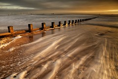 The sun comes up! (PeskyMesky) Tags: aberdeen aberdeenbeach scotland longexposure sunrise sunset water sea ocean groyne canon canon6d eos