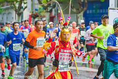 LD4_9677 (晴雨初霽) Tags: shanghai marathon race run sports photography photo nikon d4s dslr camera lens people china weekend november 2018 thousands city downtown town road street daytime rain staff