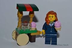 Cake (350/365) (Tas1927) Tags: 365the2018edition 3652018 day350365 16dec18 lego minifigure minifig
