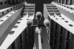 les Flamands (Rudy Pilarski) Tags: nikon nb bw bâtiment building paris perspective city les flamands europe europa ciudad capitale ciel sky skyline line ligne forme form composition lampadaire monochrome moderne modern france francia structure architecture architectura abstract abstrait urbain urban urbano geometry géométrie géométria géométrique immeuble nikkor d7100 1020 minimal minimalism minimalist minimalisme