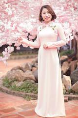 9527C (mapleal_2000) Tags: vietnam woman beautifulwoman aodai