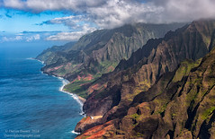 Nā Pali Coast (Darren Barnes Photography) Tags: nā pali coast nāpalicoast kauai hi hawaii kauaihi dwoodphotography dwoodphotographycom green blue pacific ocean heli helicopter beach sand surf 2018 brown orange coastline