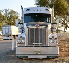 ABC (quarterdeck888) Tags: trucks truckies transport australianroadtransport roadtransport lorry primemover bigrig overtheroad class8 heavyvehicle highway road truckphotos nikon d7100 movingtrucks jerilderietrucks jerilderietruckphotos quarterdeck frosty expressfreight generalfreight logistics overnightfreight highwayphotos semitrailer semis semi flickr flickrphotos abcfreighters kenworth t610 t610sar kenwortht610sar truckanddog tippers tefco tefcotrailers tefcotruckandquaddog