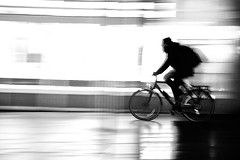 Fast Cycle (Coquine!) Tags: christianleyk germany deutschland bremerhaven night nacht bike bicycle cyclist radler radfahrer fahrrad rad panning