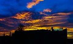 Fire & Ice (Lea Ruiz Donoso) Tags: amanecer paisaje urbano ciudad hotel cielo nubes sony colores rojo red azul blue silueta silhouette comunidaddemadrid madrid españa spain
