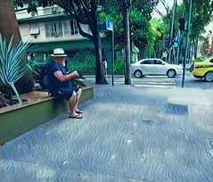 expectativa (lucia yunes) Tags: gente espera esperar cenaderua fotografiaderua fotoderua mobilephoto mobilephotographie streetphoto streetshot streetphotographie street streetlife lifestreet lifeinstreet luciayunes motozplay