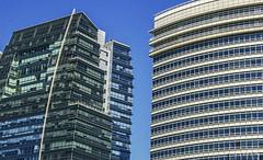 Arquitectura Moderna -Geometrías (Marina-Inamar) Tags: argentina puertomadero buenosaires arquitectura edificio edificacion vidrios curvas rectas geometrias mordeno