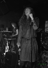 Rigorous Institution, Black Water Bar, Portland, OR, 1-12-2019 (convertido) Tags: prohibido eteraz frenzy rigorous institution black water bar portland oregon olympia washington pdx pacnw punk hc noise metal crust synth dbeat live music show concert photography photo white january 2019
