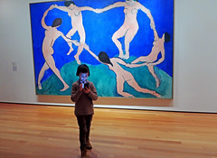 Joining the 'Dance' - Museum of Modern Art, NYC (TravelsWithDan) Tags: child art painting matisse dance1 moma museumofmodernart device glow candid street museum nyc newyork city urban canong9x