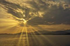 Sunder....!!! (Nita_Fotos) Tags: sun sunshine clouds blue orange sol atardecer amanecer nubes naranja cielo mountain montañas reflection reflejos trees arboles agua backligh contraluz caribbeansea marcaribe lecheria venezuela tuniñasalvajedelaselva
