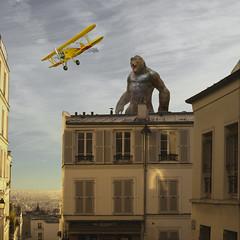 Kong in Paris (https://tinyurl.com/jsebouvi) Tags: konginparis architecture kong monster airplane yellow window sky cloud dream imagination scene top attack light movie animal