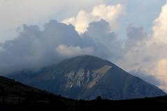Atmosfera (lincerosso) Tags: montagna mountain stagione season autunno estate nuvole atmosfera bellezza armonia