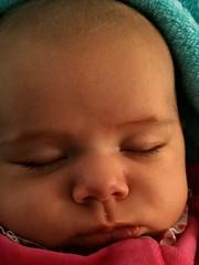 Insouciance... (LILI 296...) Tags: élia fillette bébé nourrisson girl portrait enfance