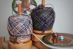 Gut gewickelt ist halb gestrickt (Sockenhummel) Tags: wolle yarn garn knäule bobbel wollknäuel stricken wickler spulen spindeln kniitpro wollwickler knitting schoppel
