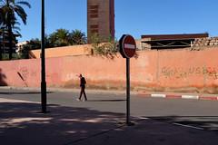 Marrakech. (bernache) Tags: marrakech maroc street streetphotography fuji fuji100 fujix100