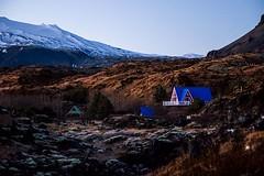 C'est une maison bleue, adossée à la coline on ne frappe pas, on ne ???? pas, ceux qui vivent là ont jeté la clé. #iceland#travel#icelandictravel#gonorth (LucasLy) Tags: cest une maison bleue adossée à la coline ne frappe pas ceux qui vivent là ont jeté clé icelandtravelicelandictravelgonorth
